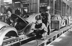 1947 VW Käfer assembly