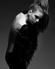 Model: Linda Martins (Elite Models) Beauty: Colombina Diego Stylist: Cest Fantastique Photography: Vitor Shalom
