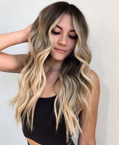 Most Romantic Long Wavy Hairstyles to Make You Look More Gorgeous Easy Hairstyles For Long Hair, Long Wavy Hair, Latest Hairstyles, Straight Hairstyles, Wavy Hairstyles, Hair Color Shades, Cool Hair Color, Hair Color Highlights, Hair Color Balayage