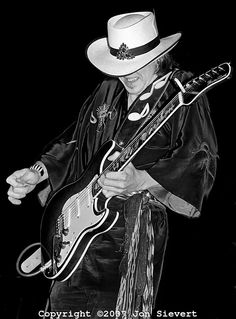 Stevie Ray Vaughan, Bluesman from Texas Brandy Love, Blue Bar, Best Guitarist, Blues Brothers, Stevie Ray Vaughan, Extraordinary People, Best Rock, Music Photo, Music Stuff