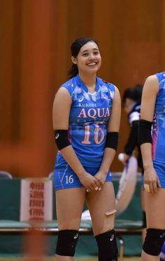 【朗報】美女バレー選手「私を好いてくれる人なら・・・」(※画像あり) : ラビット速報 Japan Volleyball Team, Athlete, Aqua, Lady, Sports, Beauty, Moving Wallpapers, Short Hairstyles, Hs Sports