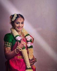 Indian Bride Poses, Indian Wedding Bride, South Indian Bride, Saree Wedding, Telugu Wedding, Indian Weddings, Wedding Poses, Madisar Saree, Sarees