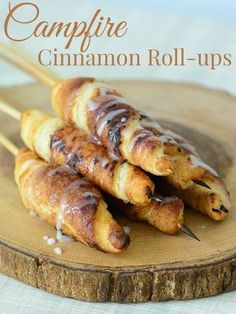 Campfire Cinnamon Roll-ups are a must have camping recipe! Perfect for a camping breakfast or after dinner treat. This is a fun recipe for any camping trip! *** Check this useful article by going to the link at the image. Campfire Desserts, Campfire Food, Camping Appetizers, Bonfire Food, Fire Pit Desserts, Desserts For Camping, Desserts On The Grill, Camp Desserts, Bonfire Night Treats