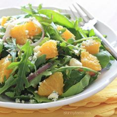 Orange and Arugula Salad with Red Onion and Gorgonzola - this is one of my favorite salads for lunch! #meatlessmondays #vegetarian #glutenfree #weightwatchers #cleaneats