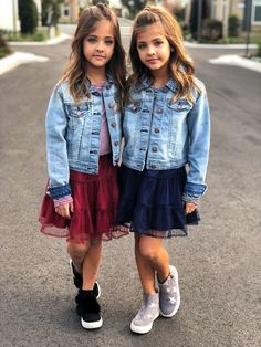 ⭐️ The Clements Twins ⭐️ Twin Girls Outfits, Pll Outfits, Twin Baby Girls, Preteen Girls Fashion, Cute Baby Girl, Dance Outfits, Kids Outfits, Kids Fashion, Beautiful Little Girls