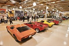 Jay Leno's car collection is up there as being one of the largest and most expensive collections in the world. The Jay Leno Garage is filled with classic cars, retro rides, modern machines, and even a few one-of-a-kind vehicles. Check out some of the best and our top picks of Jay Leno's cars!