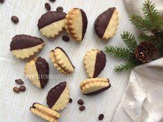 Kávové cukroví Christmas Sweets, Tiramisu, Cheesecake, Sugar, Cookies, Food, Decor, Crack Crackers, Decoration