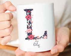 Ideas birthday presents for girlfriend jewelry etsy Personalized Christmas Mugs, Personalised Name Mugs, Personalised Gifts For Friends, Customised Mugs, Custom Mugs, Customized Gifts, Birthday Presents For Girlfriend, Girlfriend Gift, Letter Mugs