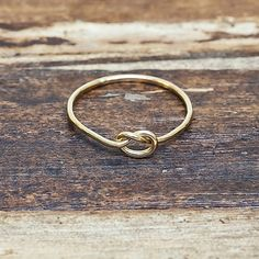 Little Knot Ring - Gold Filled