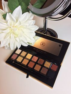 Review and Swatches: Anastasia Beverly Hills' Soft Glam Palette