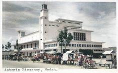 Dutch East Indies, City Scene, Medan, San Francisco Ferry, Street View, Building, Travel, Viajes, Buildings