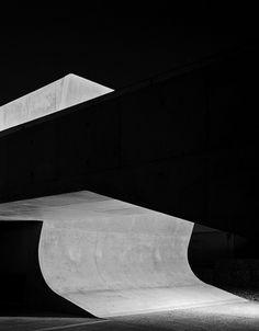 Zaha Hadid : Landesgartenschau – LFone, Weil am Rhein Germany B Architecture, Photographe Architecture, Architectes Zaha Hadid, Zaha Hadid Architects, Space Photography, Fine Art Photography, Abstract Photography, Helene Binet, Shadow Photos