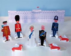 Print and create your own Diamond Jubilee celebration! Your set includes: Queen Elizabeth II Queen Elizabeth II in formal wear Prince Philip, the Duke of Edinburgh, in uniform Police Man Royal Guard Beefeater 3 corgi dogs 2 Routemaster double decker . London Bedroom Themes, Printable Crafts, Printables, British Party, British Values, Womens Institute, Queen 90th Birthday, Royal Diamond, Royal Party