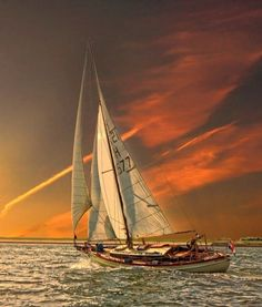 This must be a perfect sailing location :)