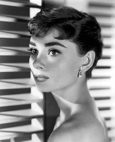Audrey Hepburn: Mademoiselle Michelle - Audrey in Sabrina, the perfect movie for rainy days at home.