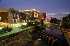 Go Experience The Downtown Riverplace District In Greenville Sc What A Lovely And Picturesque Best Hotelshotels