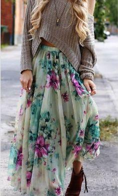 Maxi floral skirt with slouchy sweater. Look Fashion, Unique Fashion, Autumn Fashion, Womens Fashion, Fashion Trends, Fashion Spring, Fashion Ideas, Trendy Fashion, Boho Womens Clothing