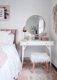 Makeup Vanity Small Bedside Tables 33 Ideas For 2019 Minimalist Bedroom, Modern Bedroom, White Bedroom, Single Bedroom, Trendy Bedroom, Small Bedroom Vanity, Small Bedrooms, Small Vanity, Bedroom Vanities