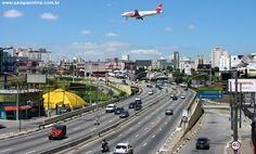 Av. Washington Luis, altura do Aeroporto de Congonhas, olhando sentido sul