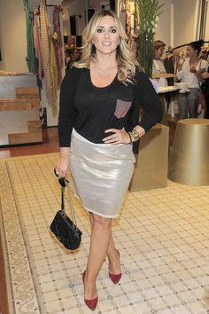 Karolina Szostak ponownie zaskakuje figurą (FOTO) Sequin Skirt, Sequins, Skirts, Women, Fashion, Moda, Fashion Styles, Skirt