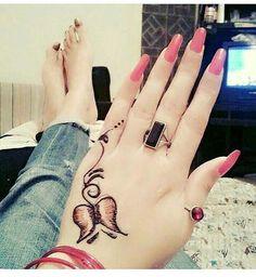 Incredible Henna Design Inspirations Indian Nail Art, Indian Nails, Mehndi Design Pictures, Mehndi Images, Henna Tattoo Designs, Henna Tattoos, Foot Tattoos, Tatoos, Mehndi Art