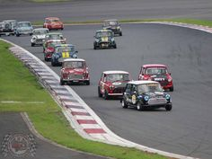 Mornin Miniacs Let's hit the Sunday Screamer track full throttle with a track full of Mini Racers giving it some umph! Doesn't get much better than that really does it? Have a great day folks
