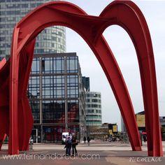 Bairro Lá Défense Paris. Escultura gigante Aranha Vermelha. The Red Spider. L'Araigne Rouge. Moderno, quase futurista, contrastando com a arquitetura clássica da cidade luz
