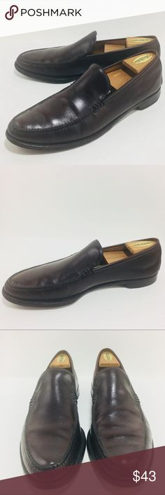 "Nettleton Mens 11.5 Dark Brown Leather Loafers Nettleton Mens 11.5 Dark Brown Leather Dress Loafers Slip On Shoes Hand Sewn Vamp Full Leather Lining and Insoles Stacked Leather Heels with Synthetic Pads Size 11 1/2 AA Widest point of Toes: 4"" Heel height:  3/4"" Great Condition - other than scuffs  on back of the heel -  please view photos for details. Nettleton Shoes Loafers & Slip-Ons"
