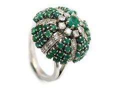 PAGODRING, 18K white gold, emeralds, eight cut diamonds approx 0,60 ctw, approx W/VS-SI. Item no: 1084234 - Kaplans Auktioner