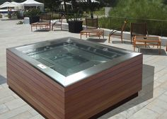 We offer beautiful bespoke hot tubs and spas perfect for indoors and outdoors. Choose your features and make your hot tub truly unique! Hot Tub Backyard, Backyard Patio, Wedding Backyard, Spas, Spa 4 Places, Modern Hot Tubs, Best Inflatable Hot Tub, Kleiner Pool Design, Spa Tub