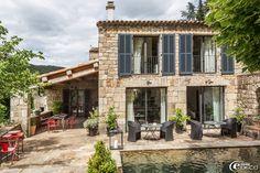 Le Domaine du Fayet, gîtes et chambre d'hôtes en Ardèche,  fauteuils en fibre 'Casa', photophore 'Faubourg'