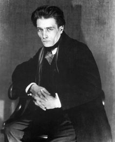 Antonin Artaud, French playwright, actor and theorist of the theatre: (September 1896 – - one of the great creative madmen of the C. Photo: Man Ray, 1926 Plus Man Ray, Michel De Montaigne, Famous Photographers, Portrait Photographers, Anne Sexton, Ben Shahn, Photo Portrait, Writers And Poets, Book Writer