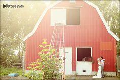 Awww, barn wedding with a horsie!