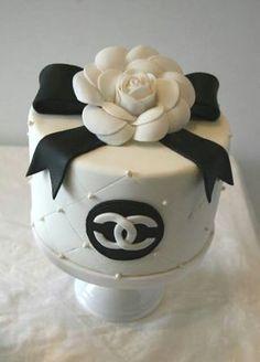 Mode anniversaire gâteaux Chanel