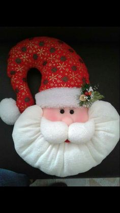 1 million+ Stunning Free Images to Use Anywhere Felt Crafts, Holiday Crafts, Diy And Crafts, Holiday Decor, Felt Christmas Decorations, Christmas Wreaths, Christmas Ornaments, Santa Decorations, Santa Baby