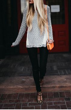 Dark lip + long knit + skinnies + leopard heels