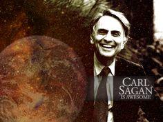 Carl Sagan inspiró a miles de científicos. Abrió mentes con su programa divulgativo Cosmos y con la llegada del remake Cosmos 2014 en Lecturalia abrimos nuestro blog a sus libros:  http://www.lecturalia.com/blog/2014/03/11/cosmos-y-otros-libros-de-carl-sagan/