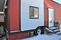 """Meet """"Margo"""", A Tiny House on Wheels With A Charming Personality.  #TinyHouseforUs"""