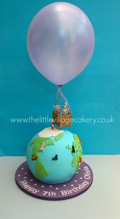 Birthday girl Olivia had her heart set on a globe cake with a hot air balloon floating above it for her birthday as she was having a drama party with an 'Around the World' theme. Cake Decorating Designs, Cool Cake Designs, Fondant Cakes, Cupcake Cakes, Smash Cakes, Cupcakes, Travel Cake, Travel Party, Globe Cake