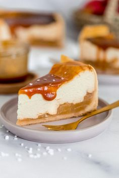 Apple cheesecake with salted Apfelkäsekuchen mit Salzkaramell Apple cheesecake with salted caramel - Baby Food Recipes, Cookie Recipes, Dessert Recipes, Caramel Apple Cheesecake, Caramel Apples, Apple Caramel, Food Cakes, Cake Mix Cookies, Banana Bread Recipes