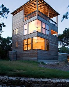 container house A Tower House is Built As An Extension of a Home in Texas Small House Living, Small House Design, Modern House Design, Living Room, Container Home Designs, Beautiful Modern Homes, Haus Am See, Casas Containers, Beach House Plans