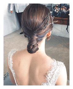Decor - Just another WordPress site Wedding Hair Tips, Date Night Hair, Bridal Hair Updo, Hair Arrange, Hair Setting, Beautiful Braids, How To Make Hair, Bride Hairstyles, Bridal Looks
