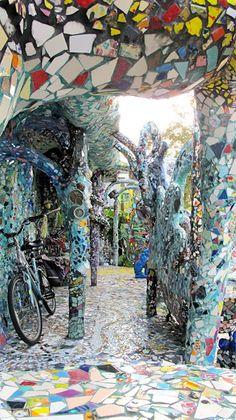 365 los angeles: #251: Venice Mosaic Tile House
