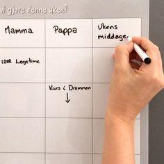 «Hæ? Var det i dag du skulle til tannlegen? Og jeg må hente i barnehagen?😲» Lyder kjent? 🤫 Ukeplanen rommer alle familiens avtaler, huskelister, middagsplan mm 😀👍🏻👏🏻 . . . #sjarmtroll #norsknettbutikk #norskdesign #ukeplan #månedsplan #planlegging #familie #foreldre #foreldreogbarn #hverdagsliv #hverdagsglede #hverdagsgleder #hverdag #matplan #middagsplan #ukemeny #barn #barna #vimedbarn #vimedsmåbarn #småbarnslivet #godevaner Anna Karina, Instagram, Design