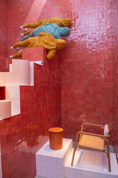 Trend Guide of Milan Design Week 2018 Highlights . BOLD COLORS with Hermès's new home collections within colorful, tile-clad chambers Interior Paint, Modern Interior Design, Interior Design Inspiration, Interior Decorating, Green Painted Walls, Red Tiles, Eclectic Bathroom, Milan Design, Handmade Tiles