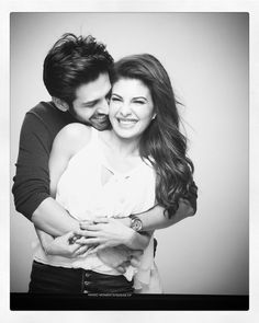 Kartik Aaryan and Jacqueline Both look beautiful in this pic 💕💕📸📸 Bollywood Couples, Bollywood Stars, Bollywood Celebrities, Bollywood Actress, Man Photography, Couple Photography Poses, Romantic Couples, Cute Couples, Wedding Couple Photos