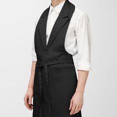 Aiste Nesterovaite - Wearable Design for the Kitchen by Aiste Nesterovaite | MONOQI