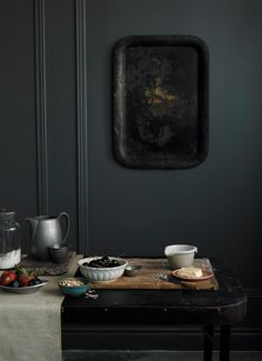 this picrue feels like a painting to me -- ohn-cullen-photo-black-tray-remodelista Dark Walls, Grey Walls, Charcoal Walls, Charcoal Black, Gray Interior, Interior And Exterior, Food Styling, Black Tray, Dark Interiors