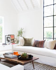 How to Style Your Coffee Table, According to Nate Berkus' Team | The Everygirl