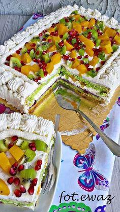 Ewa w kuchni: Tort z kiwi, brzoskwiniami i granatem Kiwi Cake, Fresh Fruit Cake, Baking Recipes, Cake Recipes, Dessert Recipes, Jamaican Recipes, Polish Recipes, Health Desserts, Creative Food